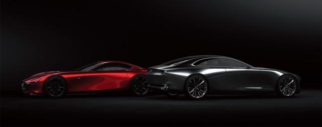 緊張感漂う2台のビジョンモデル。VISION COUPEが「凛」なら、2015年に発表した「RX-VISION」は「艶」。魂動デザインの両極となる