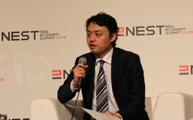 2018年4月11日開催の「新経済サミット(NEST)2018」で開かれたパネルディスカッション「世界のAI戦略の最新動向と日本の立ち位置」で話をする、松尾豊・東京大学大学院特任准教授
