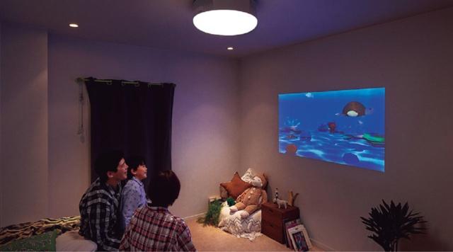 寝室を変える「プロジェクターを封じ込めた照明」が大ブレイク(画像)