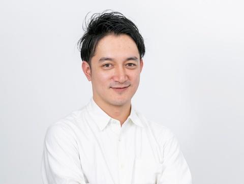 ティー・ワイ・オー クリエイティブディレクター 松井一紘氏 2012年入社。コピーライターとして配属され、17年にクリエイティブディレクターに。つるの剛士「バイク王」、高橋一生「ホワイトエッセンス」、浜辺美波「京都きもの友禅」などのCMを手掛けている