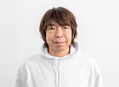 """ワトソン・クリック クリエイティブディレクターの山崎隆明氏。1987年、電通入社。関西支社時代に、ホットペッパーや、""""つまらん!""""の「キンチョール」、「ギャツビー」などをヒットさせ、2009年にワトソン・クリック設立。近年は、""""リトルベン""""の「TOTO」や、のん出演の「LINE mobile」などが話題に。19年には、ミノキ兄弟の「アンファー・スカルプD メディカルミノキ5」でACC賞グランプリなどに輝いた"""