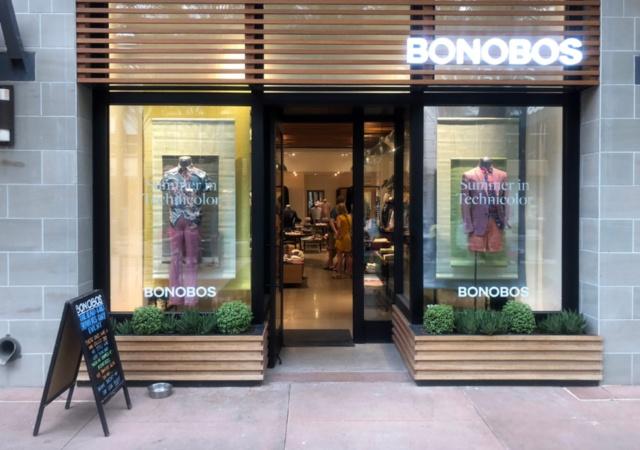 「ボノボス」創業者のアンディー・ダン氏は自社のことを、「自社企画・製造の商品で顧客を熱中させるブランド」という意味を込めて、「DNVB」(デジタリー・ネイティブ・バーティカル・ブランド)と呼ぶ