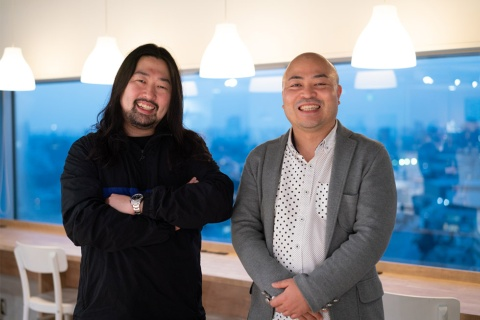 ワンメディア代表の明石ガクト氏(写真左)と、サイバーエージェント次世代生活研究所所長の原田曜平氏