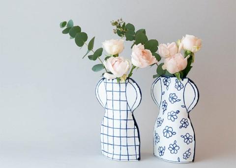 スウェーデン発の「2D花瓶」。若者の間で自宅に花を飾る新習慣が広がり、花瓶に凝る人も増えている