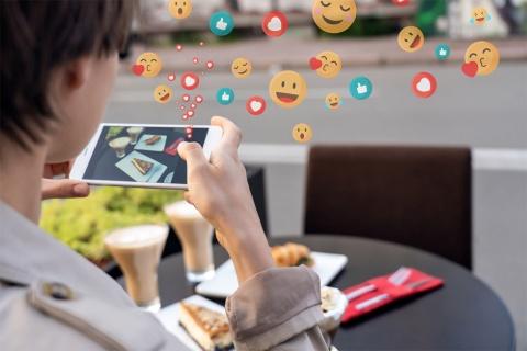 「SNS映え」にも新たな変化が…(写真/Shutterstock)