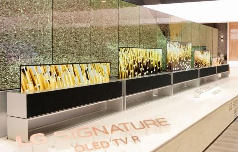 韓国LGエレクトロニクスが巻き取り型有機ELテレビ「LG SIGNATURE OLED TV R」を発表(画像出典/LGエレクトロニクス)