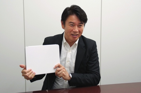 「白紙に何か書いてごらんと言われても難しい。それと同じで自分を解放するって難しいんだよ」と前刀禎明氏