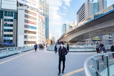 新型コロナウイルスの感染拡大防止に伴う外出自粛で街は人の往来が著しく減った(写真/Shutterstock)