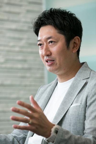 日清食品の安藤徳隆社長。1977年生まれ。2007年に日清食品に入社し、経営企画部部長や日清食品ホールディングスCMO(グループマーケティング責任者)、CSO(グループ経営戦略責任者)などを歴任し、15年4月から現職