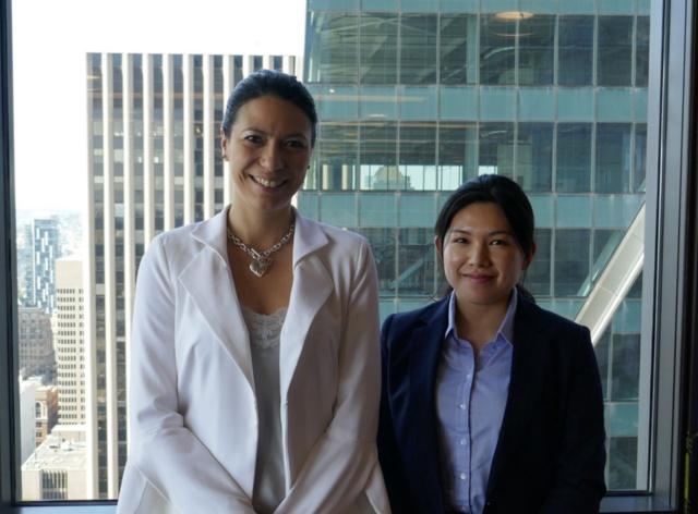 シアトルAI企業の米デファインドクラウドのダニエル・ブラガCEO(左)。日本に進出しており、日本人のインターンも受け入れている。矢口千聖氏はワシントン大学のコースを修了した後、同社のプロジェクト・コーディネーターとして1年間働いている