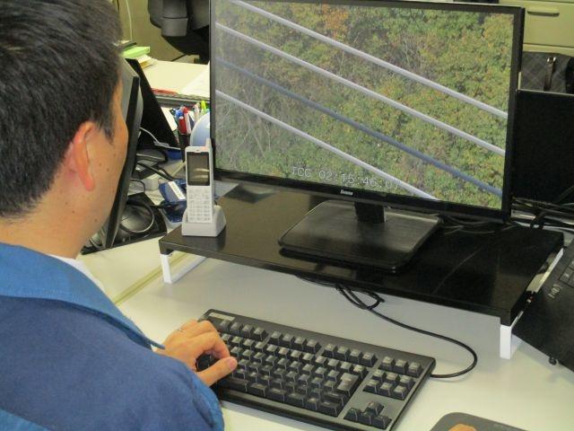 送電線の異常監視は人手に頼る部分が多い