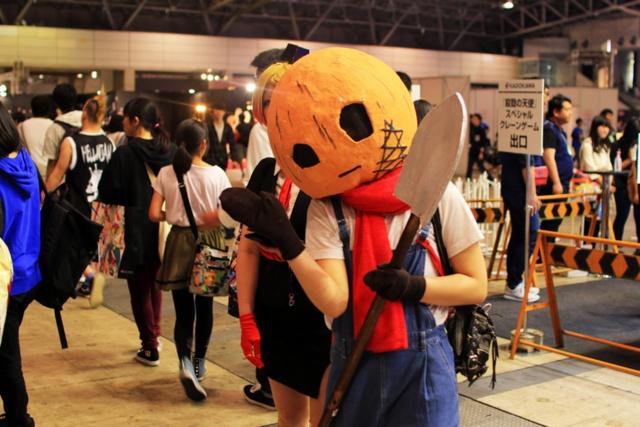 毎年、幕張メッセ(千葉県)で開催される「ニコニコ超会議」の一幕。18年の来場者数は16万人を超え、生放送を視聴したネット来場者数は612万人以上を記録した