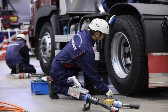 ブリヂストンはタイヤの交換、メンテナンスまで含めて丸ごと請け負う