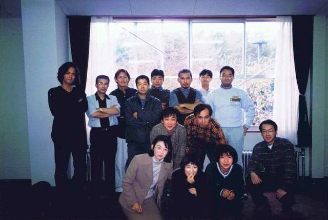 ヤッホーブルーイングの創業メンバー。中央が井手氏、右端が創業者である星野リゾート社長の星野佳路氏