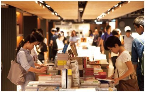 誠品生活日本橋ではさらに選書を強化する