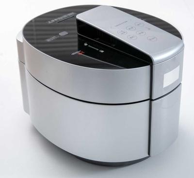 デリソフターのモックアップ。外観は一般的な炊飯器や加圧調理器に似ている