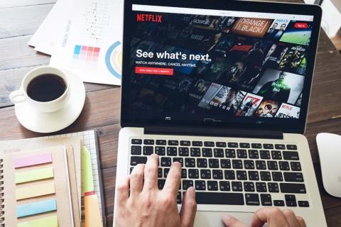 米ネットフリックスは「パーソナライズ」に力を注ぐ代表企業だ。そのために水面下で行っている意外な取り組みとは…(写真/Shutterstock)