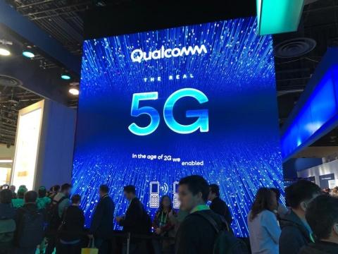 米半導体大手のクアルコムは、展示ブースで5G(第5世代移動通信システム)をアピール