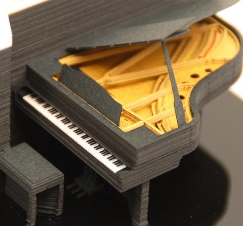 グランドピアノが現れる「Piano」。内部も精巧に作っており、実際に弾けそうなイメージがする