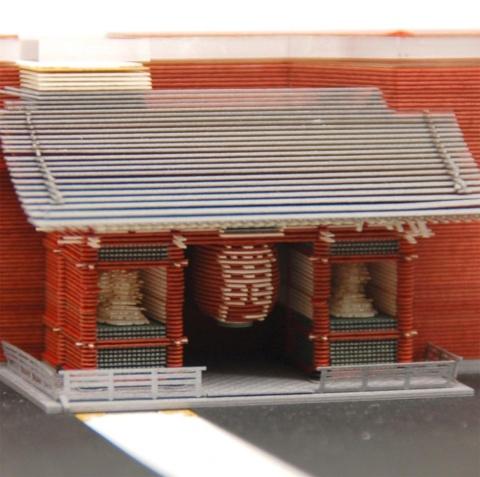 東京・浅草寺の風雷神門が出てくる「Asakusa」。インバウンド向けのお土産にもなりそうだ