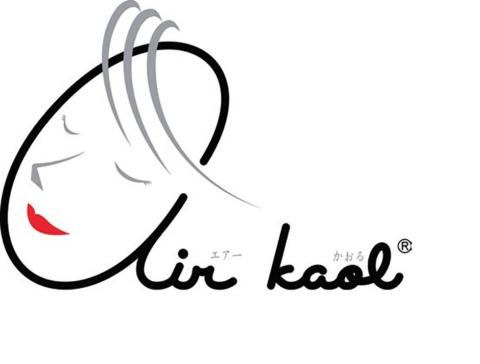 エアーかおるのロゴデザインは、浅野夫人がモデル。製品名の「かおる」は「K(クラレ)A(浅野)O(おぼろタオル)L(リブ)」から考案。3社の感性が生きるという意味だ