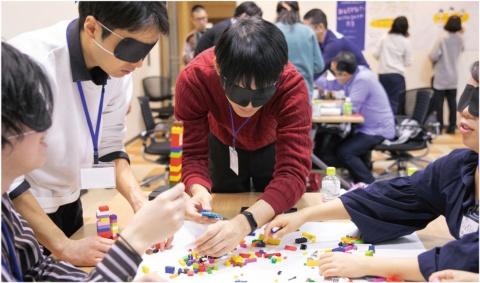 日本マイクロソフトのセミナールームで行われた「DIVERSITY WORKSHOP 03 視覚障害者が熱狂するエンタメコンテンツを共創する」と呼ぶワークショップの模様(写真提供/一般社団法人PLAYERS)