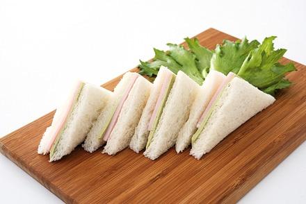 液垂れしないので、パンにそのまま挟むだけ。サンドイッチ作りに重宝