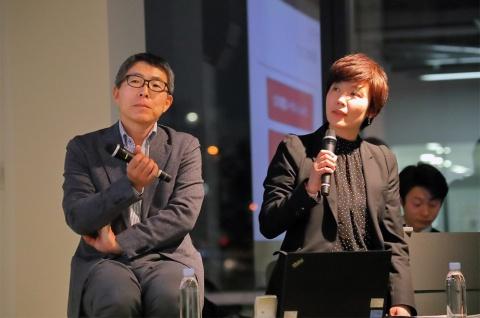 NECパーソナルコンピュータ広報部長の鈴木正義氏(左)とDoen代表取締役の遠藤眞代氏(右)