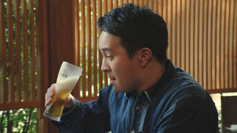 19年5月から登場する濱田岳は「うなぎ編」で、白焼き、うまき、肝焼き、かば焼きと、うなぎ料理との相性の良さをアピール
