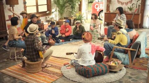 震災後初の企業CM(2011年7月)では、泉谷しげる、斉藤和義、吉村由美(PUFFY)、スチャダラパー、つじあやの、浜崎貴司、ハナレグミ、EGO-WRAPPIN'、HALCALI、栗原務(LITTLE CREATURES)、川島海荷が「ドレミの歌」を1フレーズずつ歌いつなげた