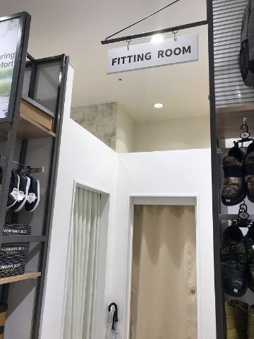 試着室も用意されている