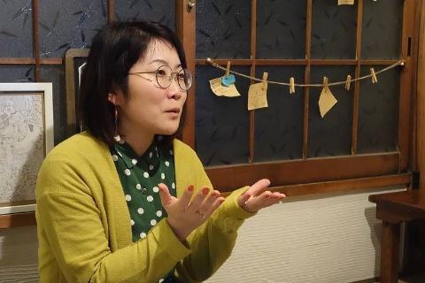 """田村麻美氏:税理士・TRYビジネスソリューションズ代表取締役社長。""""東京都足立区でいちばん気さくな税理士""""として税理士業務やコンサルタントを行う。著書『ブスのマーケティング戦略』(文響社)では、自らの性欲をも赤裸々に語りながら、見た目のコンプレックスを抱える人が幸せになれる戦略を説く。"""