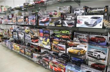 ライソンはゲームセンターの景品などバラエティー商品を販売しているピーナッツ・クラブから分社化して設立された