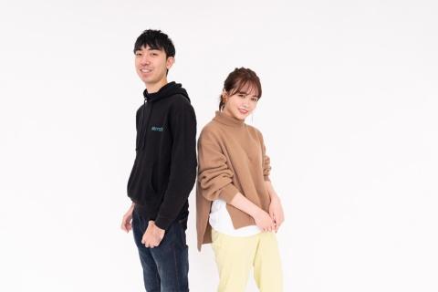 ミラティブの創業者でCEOの赤川隼一氏(左)
