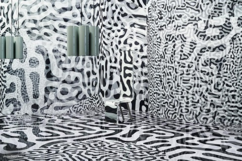 noizは建築家の豊田啓介と蔡佳萱により設立された建築デザイン事務所。「Patterns of Nature」では、電子ペーパーの新たな価値に焦点を当てた
