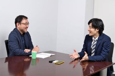 左は聞き手のNHKエデュケーショナル・佐々木健一氏。右は『さよならテレビ』を企画・制作した東海テレビの土方宏史ディレクター