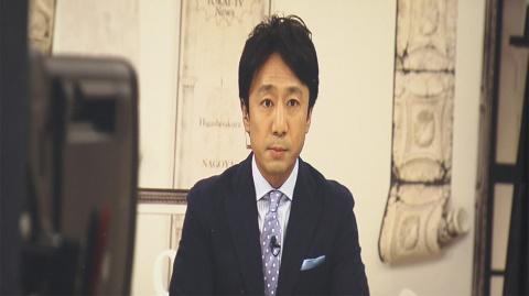 わざわざモニターに映った福島智之キャスターの姿を撮影(『さよならテレビ』より)(C)東海テレビ