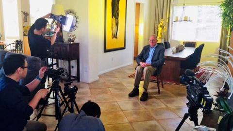 インタビューのセッティング風景(『ブレイブ 勇敢なる者』「Mr.トルネード」撮影時)