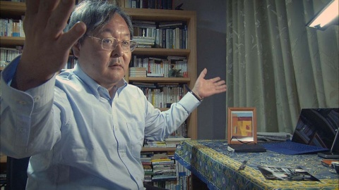 インタビューに答える今村核弁護士(『ブレイブ 勇敢なる者』「えん罪弁護士」より)(C)NHK