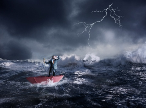 突然訪れる自社の一大事。まず矢面に立たされるのは広報 ※写真はイメージです(写真:Nomad_Soulr/Shutterstock.com)