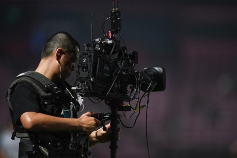 欲しい絵が決まっているテレビの取材を止めるのは非常に難しい ※写真はイメージです(写真:daykung/Shutterstock.com)