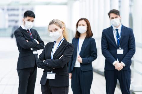 従業員から新型コロナウイルスの感染者が出たら一大事。広報はどう動く? ※画像はイメージ(画像提供: maruco/Shutterstock.com)