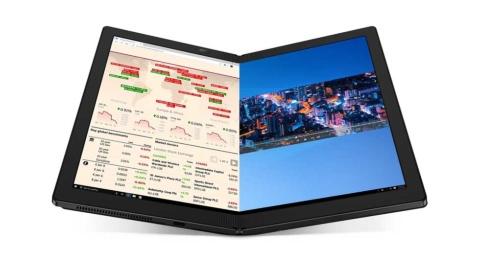 """モバイルコンピューティングの新カテゴリー、レノボの「ThinkPad X1 Fold」。鈴木氏が""""再定義""""したメッセージは届くか(画像提供/レノボ・ジャパン)"""