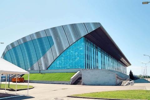 水泳専用施設。カザンではユニバーシアード大会、世界水泳選手権、ヨーロッパ柔道選手権大会、サッカーW杯など国際的なスポーツ大会が毎年行われており、ロシアのスポーツの中心地としても知られている。市内には巨大なスポーツ施設が建設されており、プール、バスケットボール、スタジアム、ホッケーなどの立派な専用施設がある
