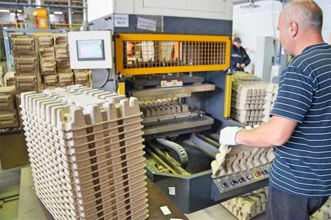 パルプモールド製品で高い評価を得ているソエムズの工場。同社はプラスチックごみ問題の解決に向け、まい進する