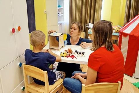 子供の難聴者のためのリハビリ施設「トーシャ」。現在21人がリハビリを受けている