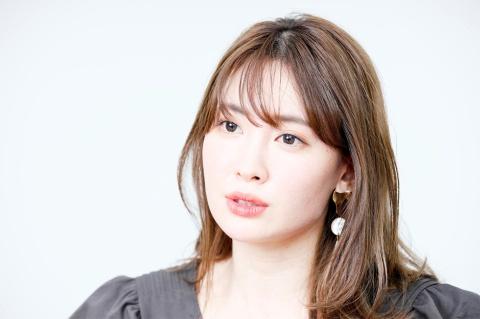 1分で完売 元AKB48小嶋陽菜が作る「D2Cブランド」人気の秘密(画像)