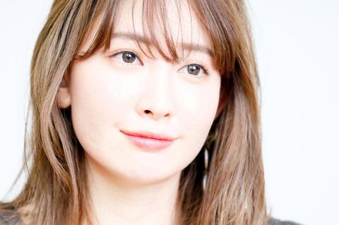 小嶋陽菜氏 2005年にアイドルグループAKB48に第1期生として加入し、17年に卒業。現在はモデル・タレントと多方面にわたり活躍中。18年6月にプロデュースブランド「Her lip to」をスタート