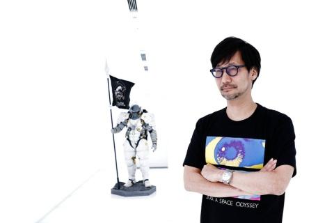 小島秀夫氏。コジマプロダクション代表。ゲームクリエーター。1963年東京都生まれ。86年コナミ入社。98年にプレイステーション向けのゲーム「メタルギアソリッド」を開発して大ヒット。ステルスゲームと呼ばれるジャンルを切り開き、世界中で熱狂的なファンを生む