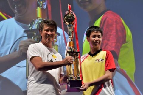 ゆわ選手には副賞やトロフィーは贈られたものの、優勝賞金500万円は与えれなかった